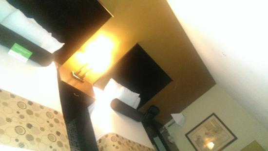 La Quinta Inn & Suites San Antonio The Dominion : beds