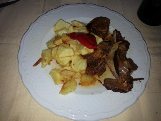 Cabrito asado - Picture of El Pareon, Sirviella - TripAdvisor