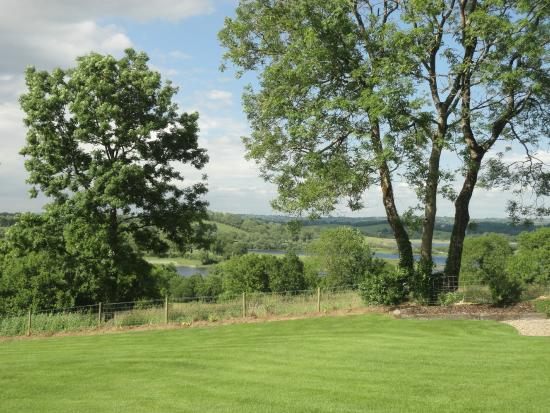 Willowbank House: Garden with Lake View.