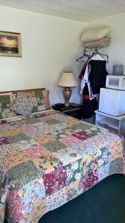 Acadia Sunrise Motel: Queen suite