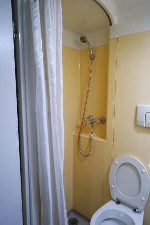 Stylotel: Banheiro pequeno