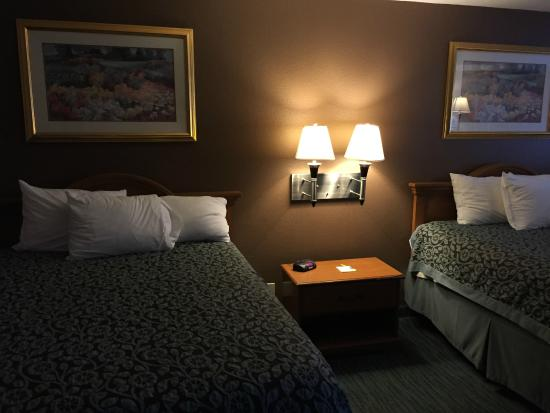 Days Inn New Braunfels: Two queen bed