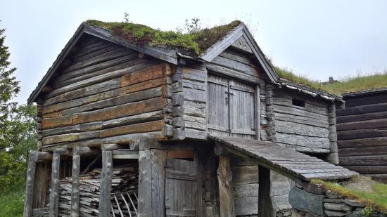 Sverresborg Trondelag Folk Museum : traditional houses