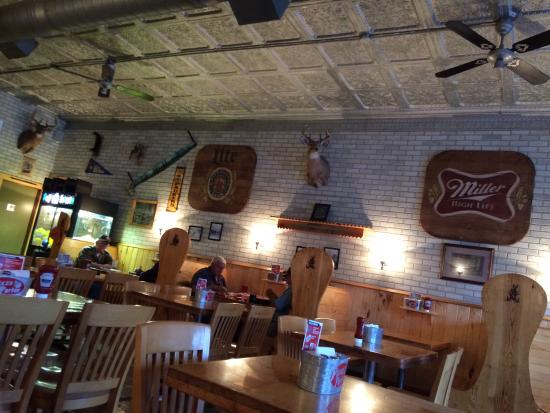 Iron River, WI: The Pizza Parlor