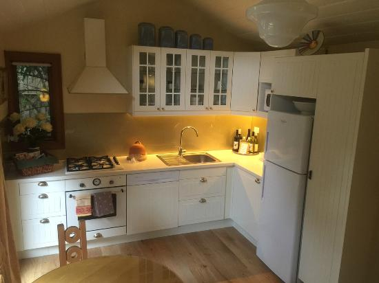 Arcadia Cottages: Olinda's gorgeous kitchen