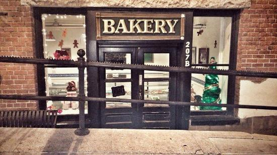 Grama's Bakery