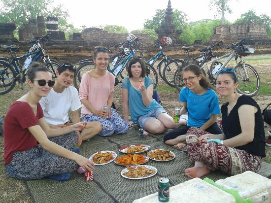 Coffee break at Sukhothai Historical Park