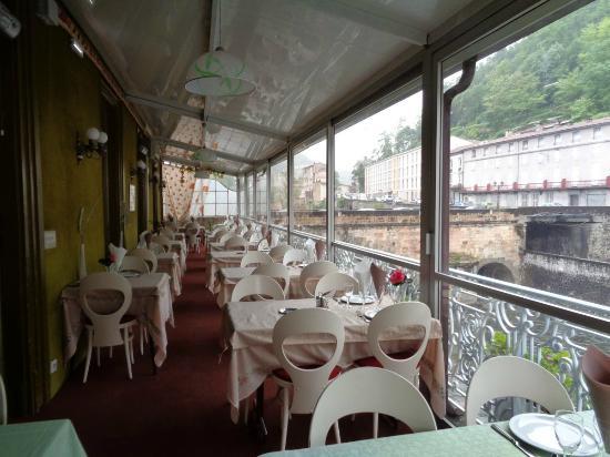 Hotel Lons : La véranda qui sert aussi au petit déjeuner