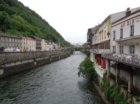 Hotel Lons : l'Ariège vue de ma chambre