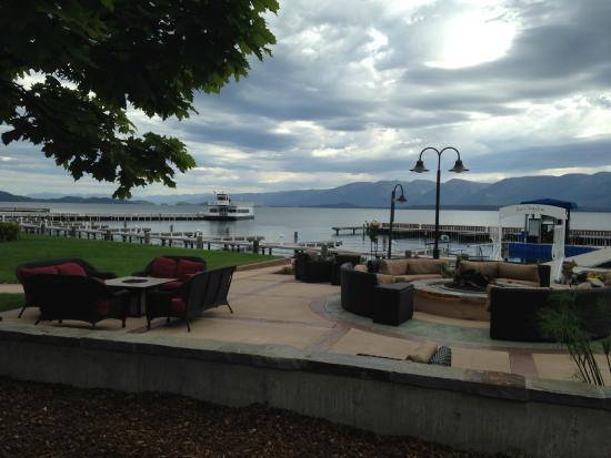 KwaTaqNuk Resort & Casino: Lakeside Patio