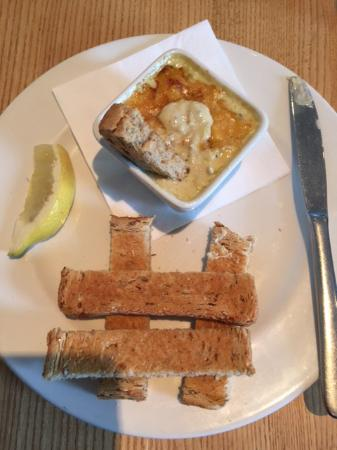 Gorran, UK: Starter of crab dip in guacamole, cheese, topped with Parmesan cheese