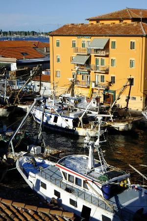 Hotel Clodia : Vue depuis le 4ème étage sur les quais du canal San Domenico