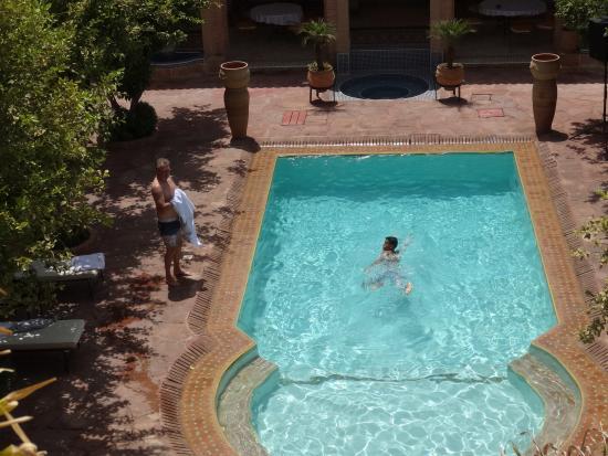 Riad Jnane Ines: pool