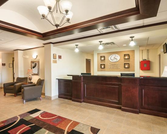 Comfort Suites: VAFRONTDESK