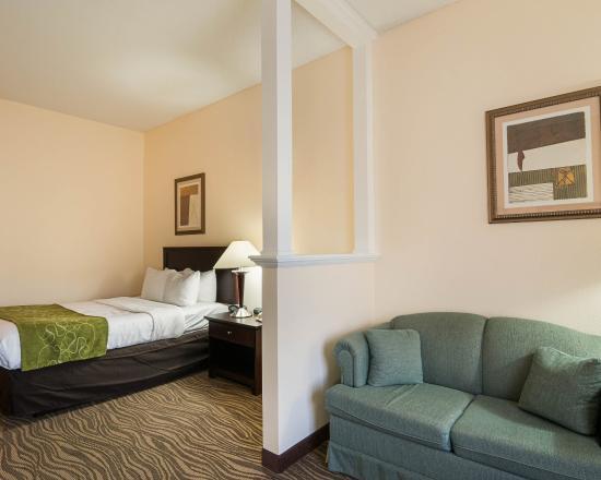 Comfort Suites: VAHSNQ