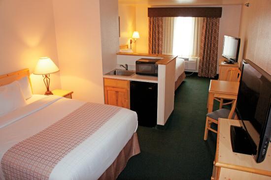 La Quinta Inn & Suites Belgrade / Bozeman Airport: Suite