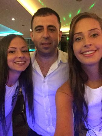 Supreme Hotel Marmaris: Me my friend and the manager