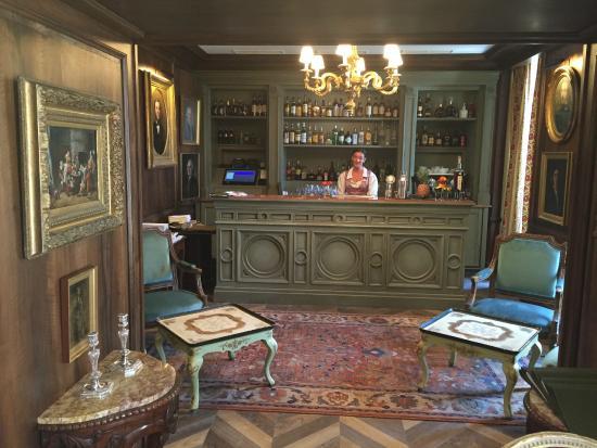 le bar de la bastide picture of la bastide de gordes. Black Bedroom Furniture Sets. Home Design Ideas