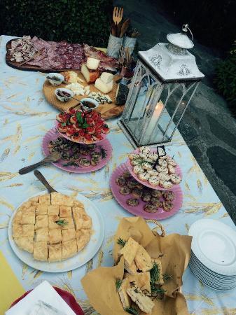 Azienda Agricola Il Pozzo : A quick view at some of all that beautifull views and delicious food that Carla's Il Pozzo II ha