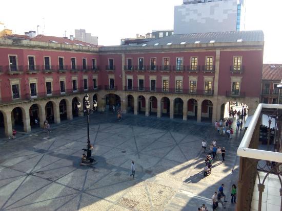 Hotel Asturias: Plaza Mayor Gijon