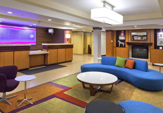 Fairfield Inn & Suites San Bernardino: Lobby