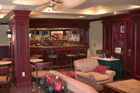Hilton Garden Inn Daytona Beach Airport : Winstons Lounge