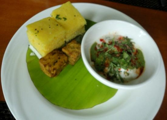24/7 Restaurant - The Lalit Mumbai : Dhokla Kothimbirwadi Dahi Bhallas