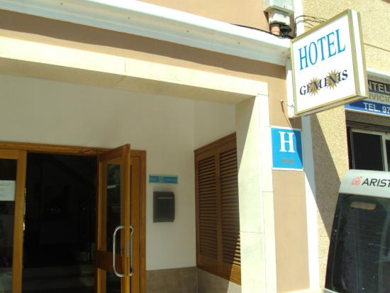 Geminis Hotel: Hotel desde fuera