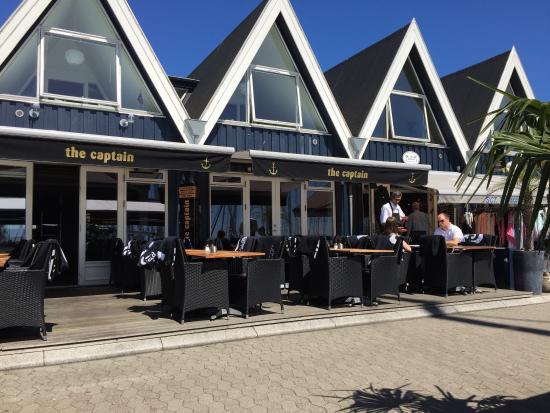 The Captain: Bit more than a coffee shop