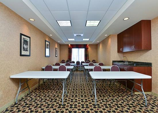 Holiday Inn Express & Suites Mobile West - I-65: Meeting Room