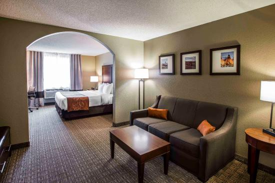 Comfort Suites Lakewood