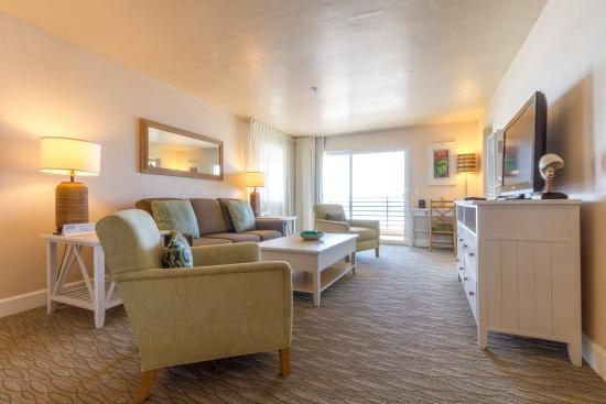 Southern California Beach Club: Living Room