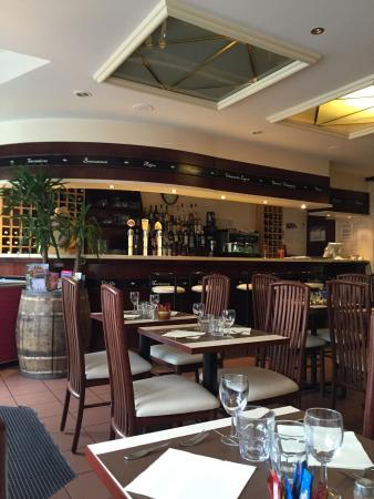restaurant brasserie des halles dans redon avec cuisine fran aise. Black Bedroom Furniture Sets. Home Design Ideas