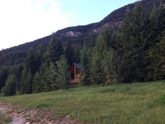 Mount 7 Lodges : Zufahrt zur Deer Lodge