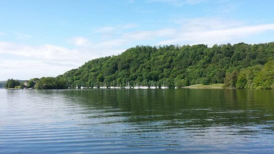 Bowness-on-Windermere, UK: a view from the boat on our trip round the lake