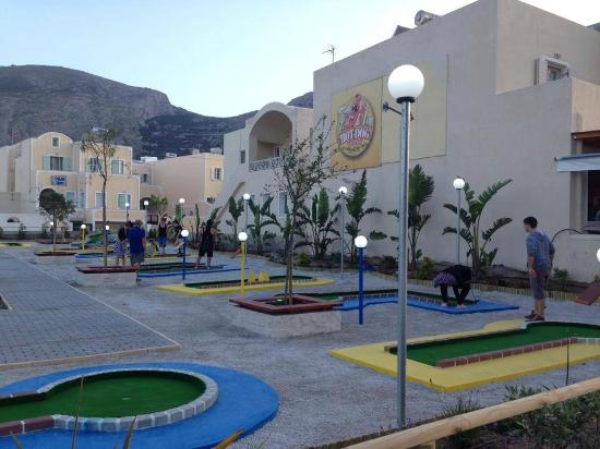 ‪Santorini Mini Golf‬