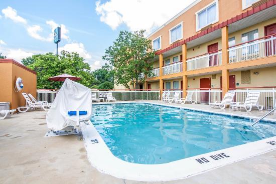 Quality Inn Jackson : Pool