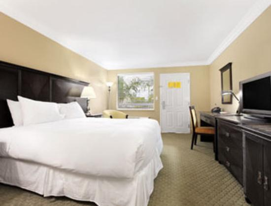 Ramada Lake Placid: Standard One King Bed Room