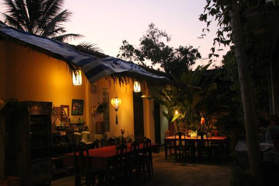 Manichan Guesthouse: sunset