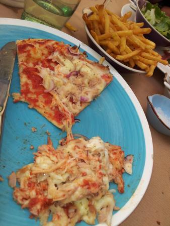 """Pellolitto Pizzamanufaktur: """"Pizza mit Thunfisch ... und ein wenig gezupfter Büffelmozzarella !!""""."""