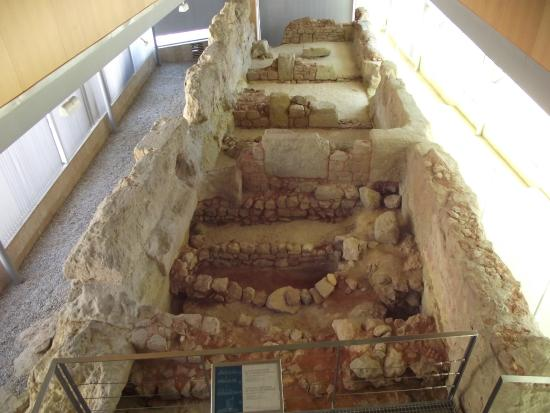 Museo de la Muralla Punica: looking down the full length of the Punic Wall