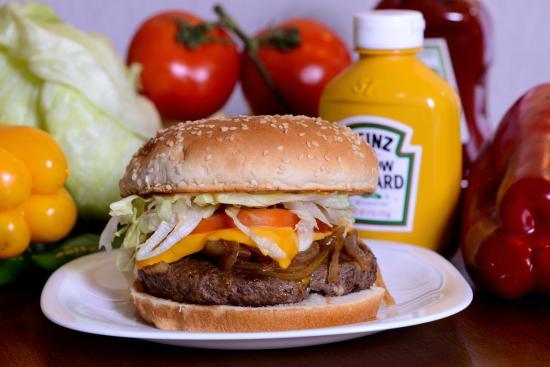 Photo of Steakhouse Safari Burger & Grill at Rua José Antônio, 1870, Campo Grande 79002-232, Brazil