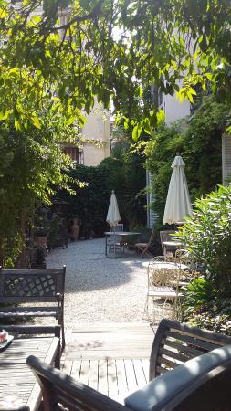 Nice Garden Hotel: The lovely garden