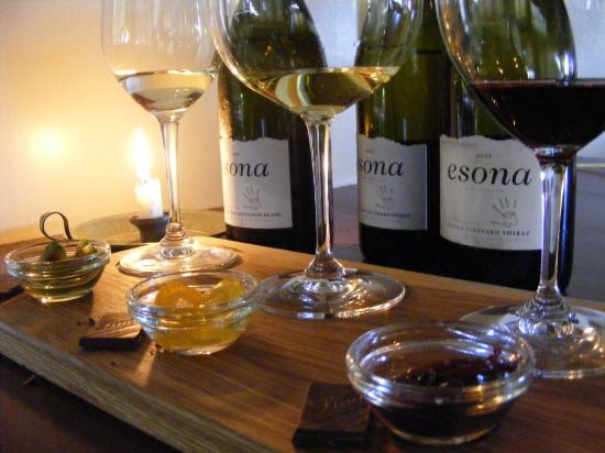 Esona Boutique Wine: Taste the Difference vertical wine tasting with Lindt chocolate pairing