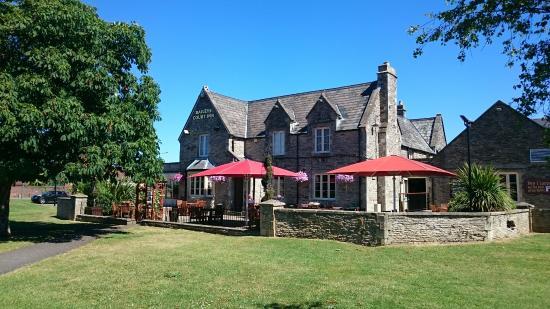 Baileys Court Pub