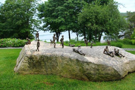 York Harbor, ME: Interesting sculptures