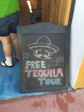 Rancho Tours: Free tequila tour... Yes, por favor.