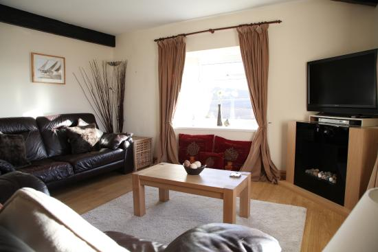 East Byermoor Guest House : Fellstone Cottage Living Room