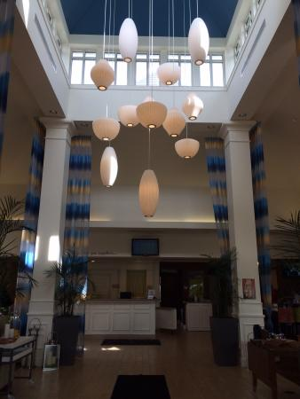 Hilton Garden Inn Portland Airport: The lobby