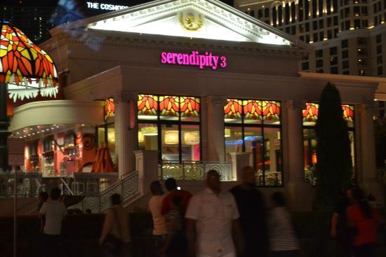 Frozen Hot Chocolate - Picture of Serendipity 3, Las Vegas ...